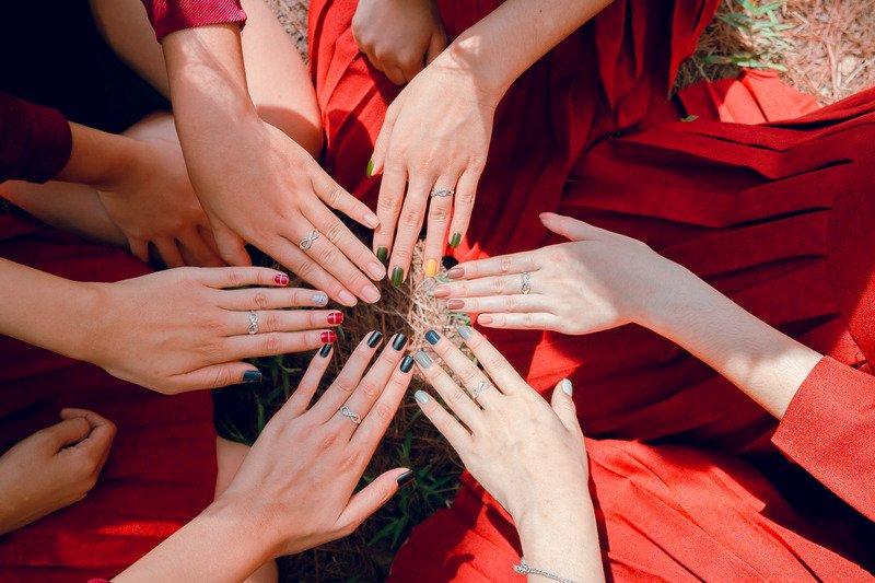 Kvindekraft, fællesskab